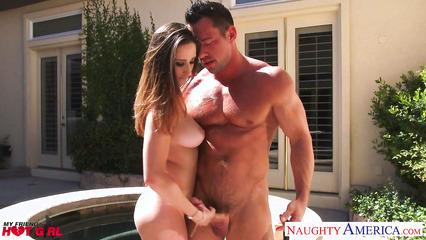 На заднем дворе занялись классным сексом