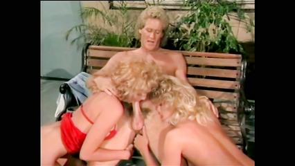 Ретро порно с блондинистыми давалками
